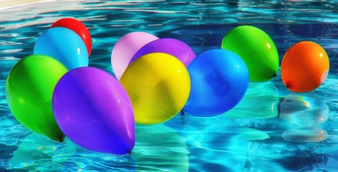 balloons in pool